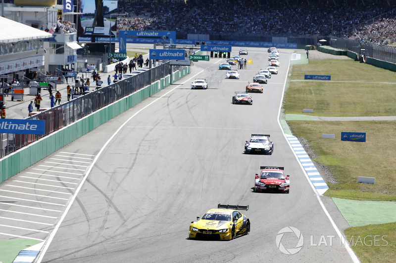 Start formation lap