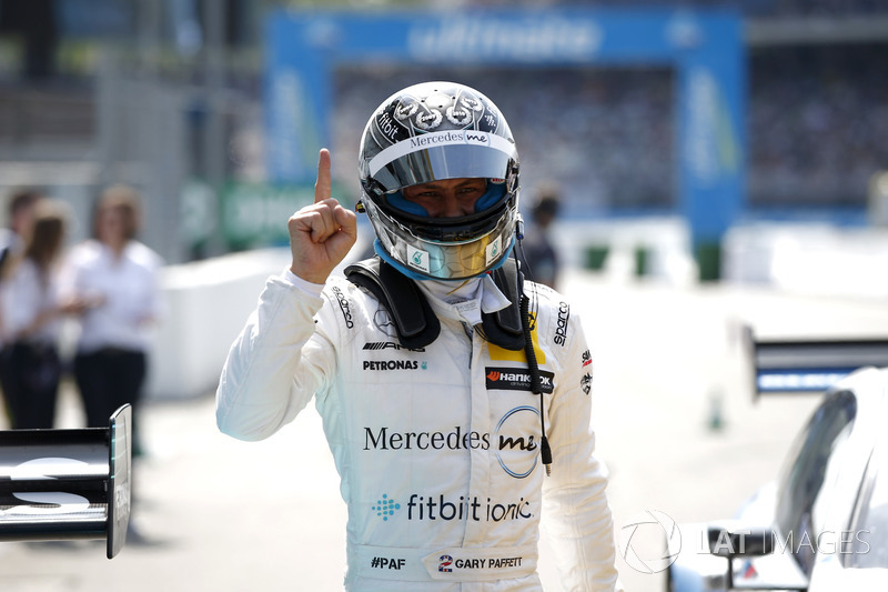 Pole position for Gary Paffett Mercedes-AMG Team HWA