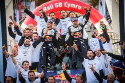 World Champions Sébastien Ogier, Julien Ingrassia, Ford Fiesta WRC, M-Sport with the team