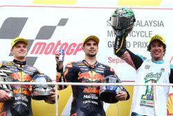 Podium: winnaar Miguel Oliveira, Red Bull KTM Ajo, tweede Brad Binder, Red Bull KTM Ajo, derde Franc