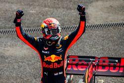 Le vainqueur Max Verstappen, Red Bull Racing