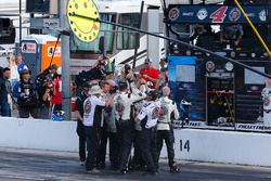 Kevin Harvick, Stewart-Haas Racing, Ford Fusion Jimmy John's crew celebrates the win