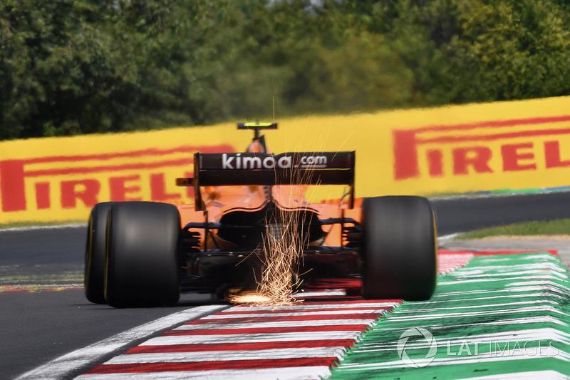Stoffel Vandoorne, McLaren MCL33 sparks