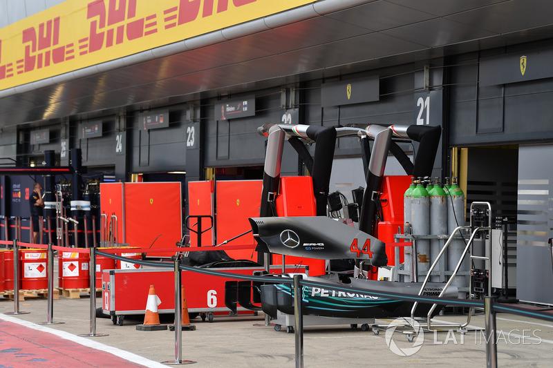 Кожух двигателя Mercedes AMG F1 W09