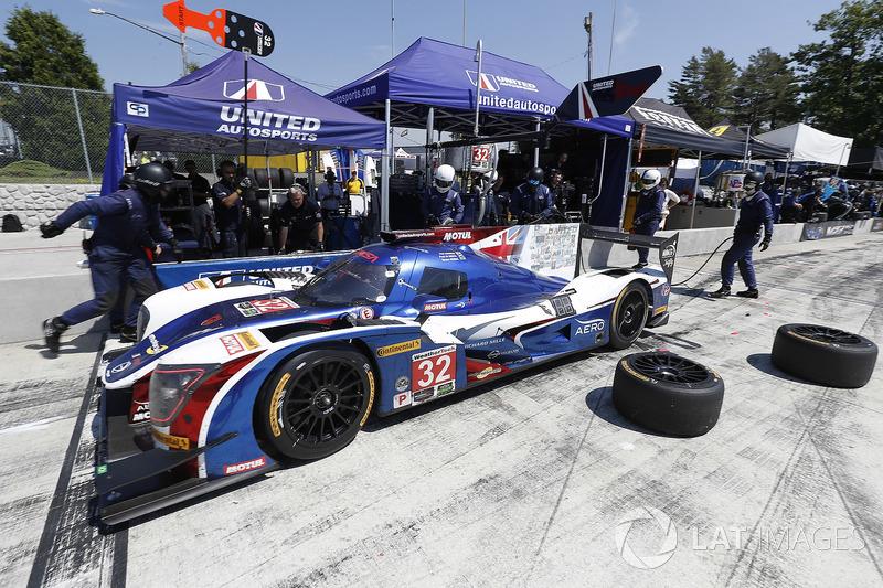 #32 United Autosports Ligier LMP2, P: Phil Hanson, Bruno Senna, Paul Di Resta, pit stop