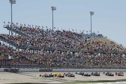 Start zum Iowa Corn 300 in Newton 2018: Will Power, Team Penske Chevrolet, Josef Newgarden, Team Penske Chevrolet, Simon Pagenaud, Team Penske Chevrolet