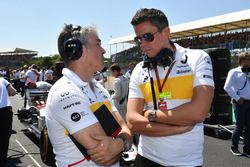 Nick Chester, Renault Sport F1 Team Technical Director and Marcin Budkowski, Renault Sport F1 Team on the grid