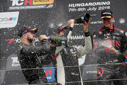 Podium: race winner Francisco Mora, M1RA Hyundai i30 N TCR, second place Dániel Nagy, M1RA Hyundai i30 N TCR, third place Josh Files, Hell Energy Racing with KCMG Honda Civic Type R TCR