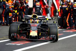 Daniel Ricciardo, Red Bull Racing RB14, leaves the pits after a stop