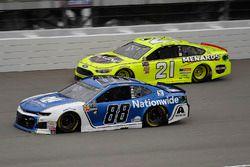 Alex Bowman, Hendrick Motorsports, Chevrolet Camaro Nationwide and Paul Menard, Wood Brothers Racing