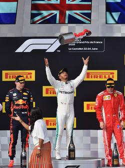Max Verstappen, Red Bull Racing, Lewis Hamilton, Mercedes-AMG F1 and Kimi Raikkonen, Ferrari celebrate on the podium