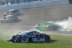 Kevin Harvick, Stewart-Haas Racing Ford Fusion and Danica Patrick, Premium Motorsports Chevrolet Camaro crash