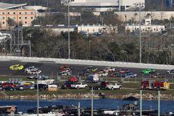 Chase Elliott, Hendrick Motorsports Chevrolet Camaro, crash