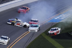 Incidente per Austin Cindric, Roush Fenway Racing, Pirtek Ford Mustang, Christopher Bell, Joe Gibbs