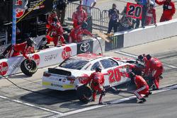 Christopher Bell, Joe Gibbs Racing, Rheem Toyota Camry pit stop