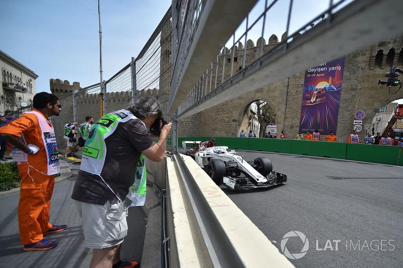 Marcus Ericsson, Sauber C37 y un fotógrafo