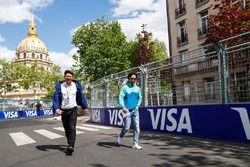 Ma Qing Hua, NIO Formula E Team, piloto de reserva caminando por la pista