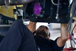 Crews work on the Ferrari 458 GT3, Carlos Zaid