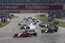 Kimi Raikkonen, Ferrari SF71H au premier tour
