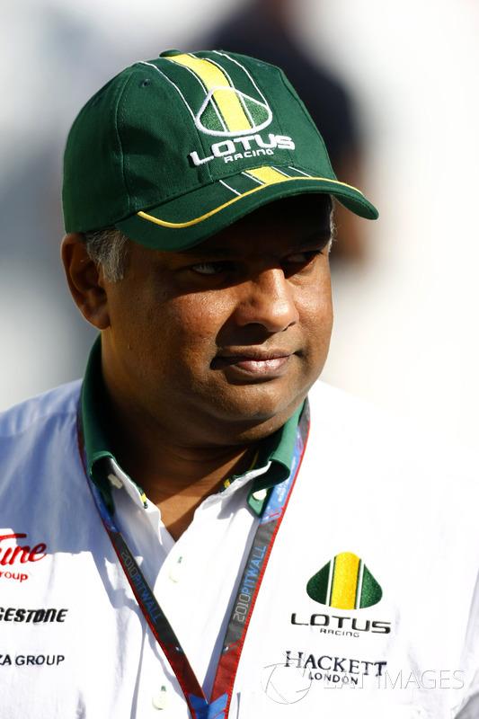 Tony Fernandes, Lotus Racing team principal