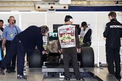 Mercedes AMG F1 W03 на техкомиссии