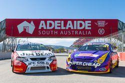 Dick Johnson Racing Falcon ve Ellery Motorsport Falcon , Adelaide'de