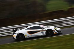 #72 Track-Club McLaren 570S GT4: Adam Balon, Ben Barnicoat
