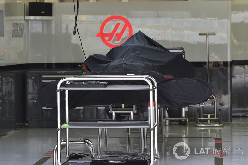 Haas F1 Team VF-18, kondisi tertutup