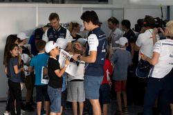 Lance Stroll, Williams e i grid kids nella drivers parade