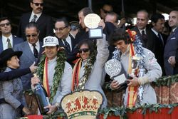 Podium: winner Emerson Fittipaldi, Lotus, second place François Cevert, Tyrrell, third place George