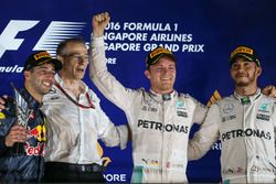 Podium: winner Nico Rosberg, Mercedes AMG F1, second place Daniel Ricciardo, Red Bull Racing, third place Lewis Hamilton, Mercedes AMG F1