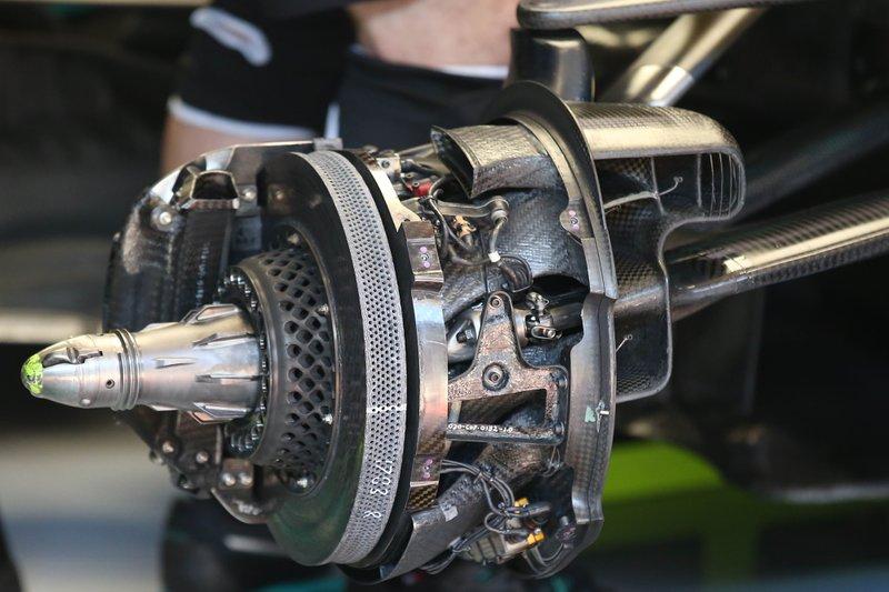 I freni della Mercedes F1 AMG W11