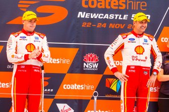 Podium: second place Scott McLaughlin, DJR Team Penske, third place Fabian Coulthard, DJR Team Penske