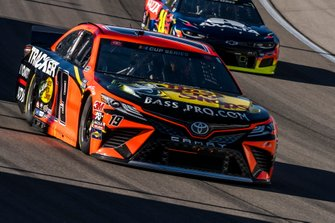 Martin Truex Jr., Joe Gibbs Racing, Toyota Camry Bass Pro Shops, William Byron, Hendrick Motorsports, Chevrolet Camaro Axalta