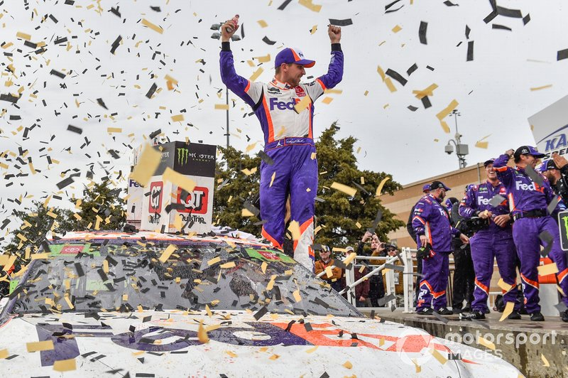 1. Denny Hamlin, Joe Gibbs Racing, Toyota Camry FedEx Office