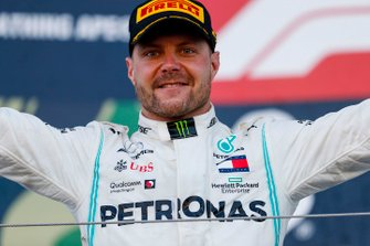 Race winner Valtteri Bottas, Mercedes AMG F1 celebrates on the podium