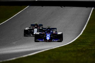 Pierre Gasly, Toro Rosso STR14, Antonio Giovinazzi, Alfa Romeo Racing C38