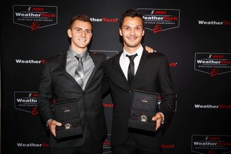 #86 Meyer Shank Racing w/ Curb-Agajanian Acura NSX GT3, GTD: Mario Farnbacher, Trent Hindman, GTD champions, Tudor guarda