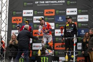 Podio: Jeffrey Herlings, Red Bull KTM Factory Racing, Tim Gajser, HRC Honda y Arminas Jasikonis, Husqvarna