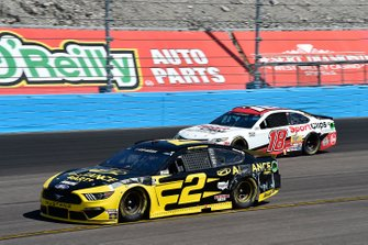 Brad Keselowski, Team Penske, Ford Mustang Alliance Parts, Kyle Busch, Joe Gibbs Racing, Toyota Camry Sport Clips