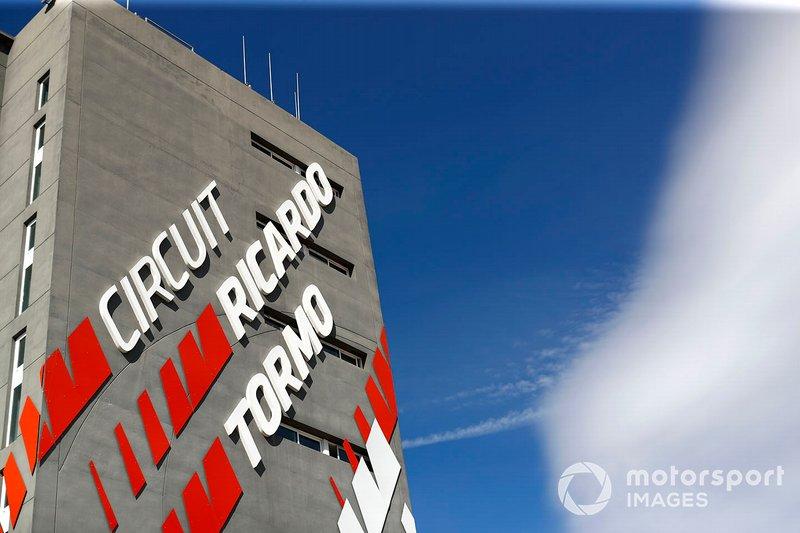 Circuit Ricardo Tormo building