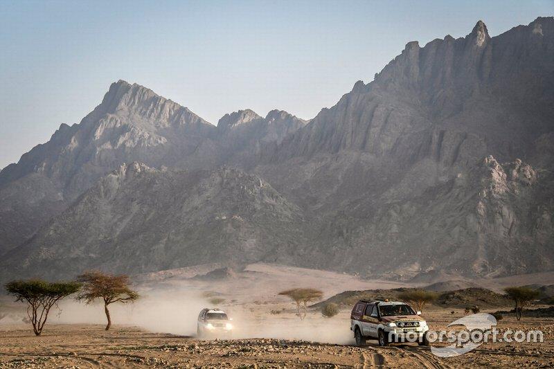 Etapa 12 (17 de janeiro): de Haradh a Al Qiddiyah (447 km, sendo 374 cronometrados)