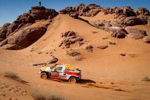 Исидре Эстев Пуйоль и Чема Вильялобос, Repsol Rally Team / Sodicars Racing, BMW BV6 (№325)