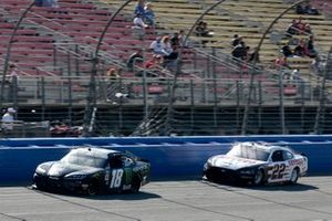 Riley Herbst, Joe Gibbs Racing, Toyota Supra Monster Austin Cindric, Team Penske, Ford Mustang Odyssey Battery