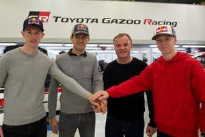 Гонщики Toyota Gazoo Racing WRT Себастьен Ожье, Элфин Эванс и Калле Рованпера, руководитель команды Томми Мякинен
