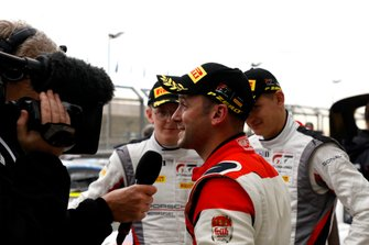 #31 Frikadelli Racing Team Porsche 911 GT3 R: Nick Tandy