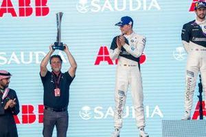 Michael Andretti, CEO de Andretti Autosport en el podio