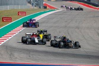 Кевин Магнуссен, Haas F1 Team VF-19, Кими Райкконен, Alfa Romeo Racing C38, Нико Хюлькенберг, Renault Sport F1 Team R.S.19, и Даниил Квят, Scuderia Toro Rosso STR14
