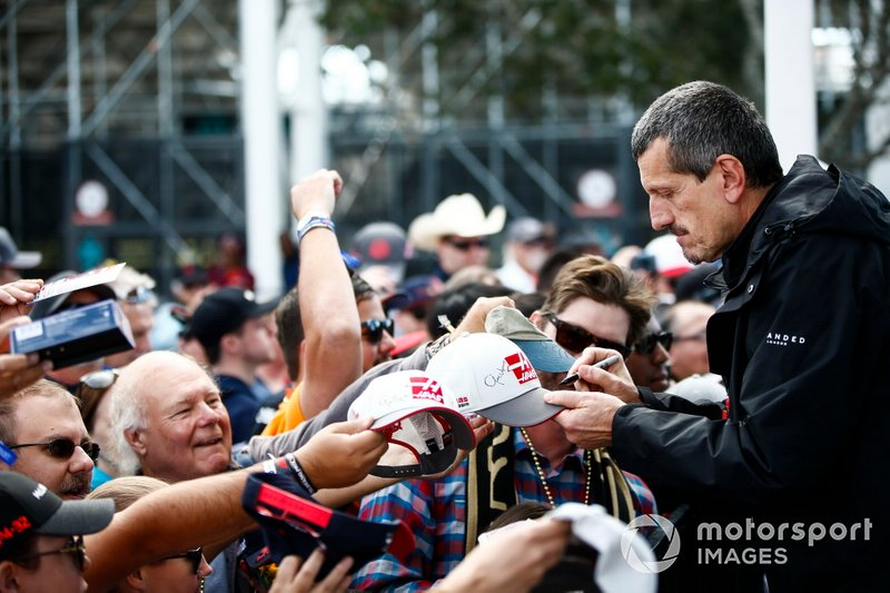Guenther Steiner, Team Principal, Haas F1 Team, signs autographs for fans