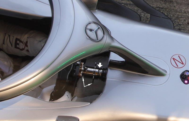 Volante del Mercedes F1 W11